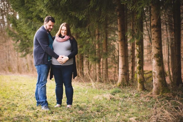 Fotoshooting Schwanger im Wald bei Kirchheim Teck