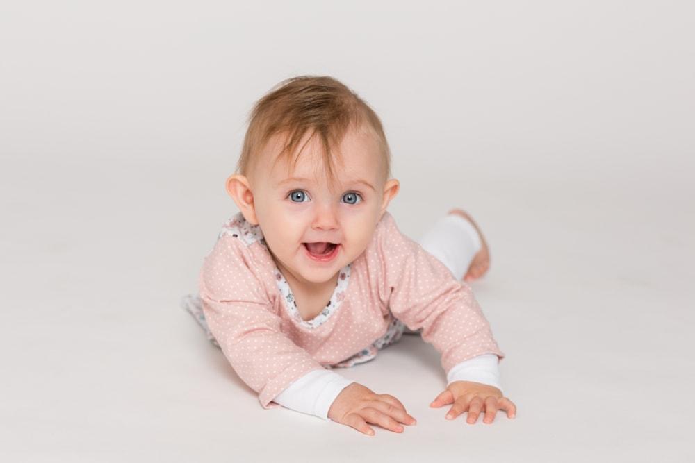 Kleines Mädchen beim Fotoshooting