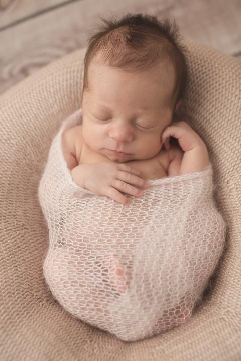 Babyfotografie Esslingen mit frühgeborenem Baby