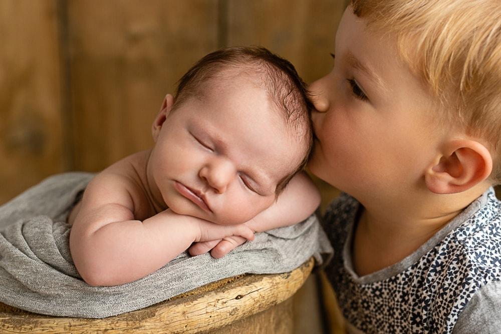 Babyfotograf Stuttgart Geschwisterliebe