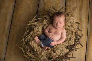 Babyfotografie mit neugeborenem Baby aus Neckartailfingen