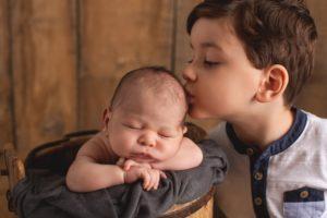 Manches verliert auch in der Wiederholung nichts von seinem Zauber….. Babyfotos mit Geschwisterkind