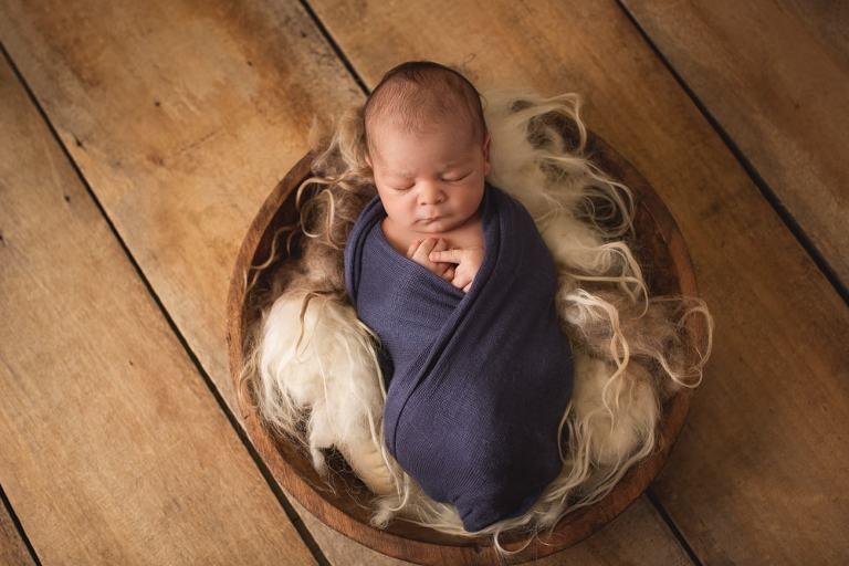 spezialisierter Babyfotograf mit Erfahrung und Geduld