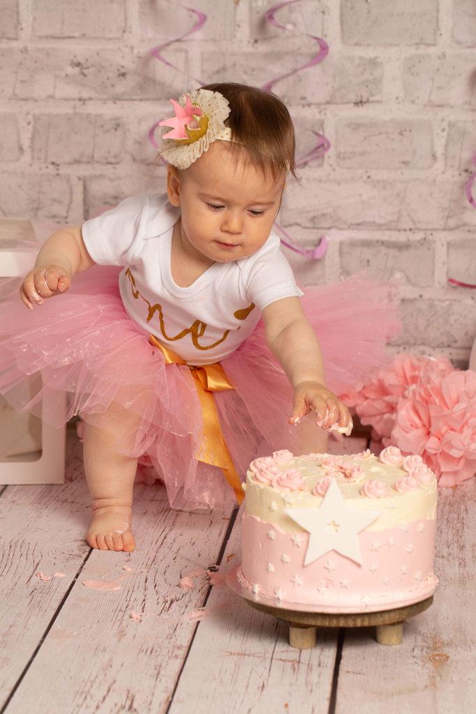 Cake Smash Shooting mit Mädchen